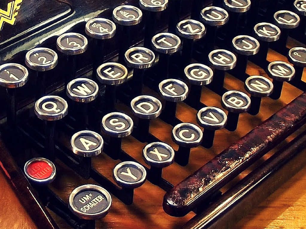 Web Writing with Verve Featured Image Typewriter